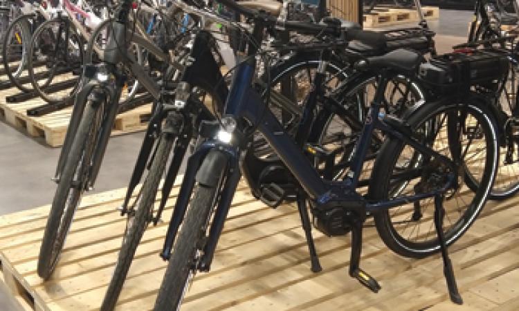 Un large choix de vélos électriques urbains en test chez Mondovelo Chambery Annecy Seynod et crolles